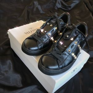 Other - Valentino Rockstud Sneakers